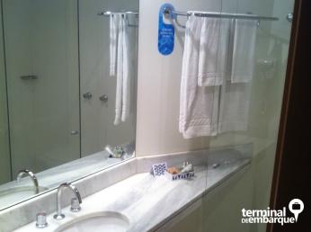 Banheiro também amplo e bem limpinho