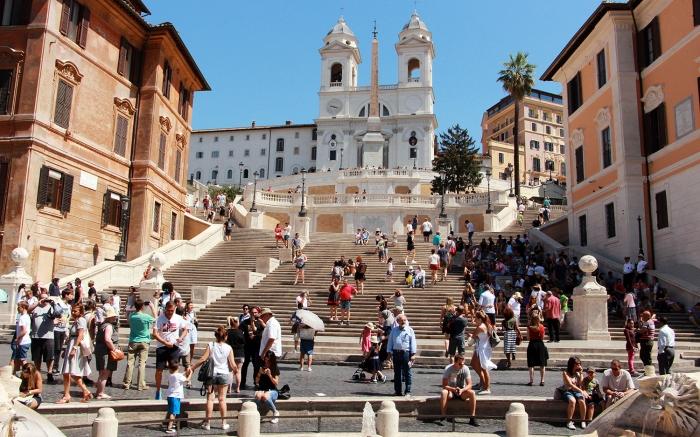 Escadaria da Praça de Espanha, em Roma (ITA).