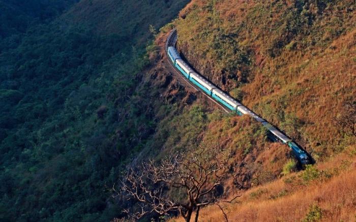 Passeio Trem Turístico Brasil - Ouro Preto a Mariana
